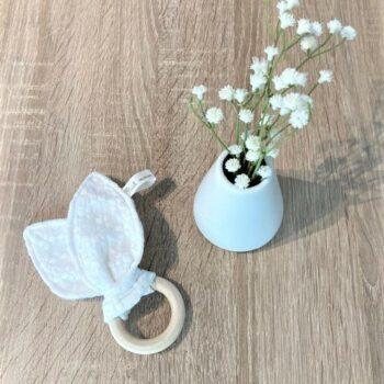 Hochet/anneau de dentition – blanc