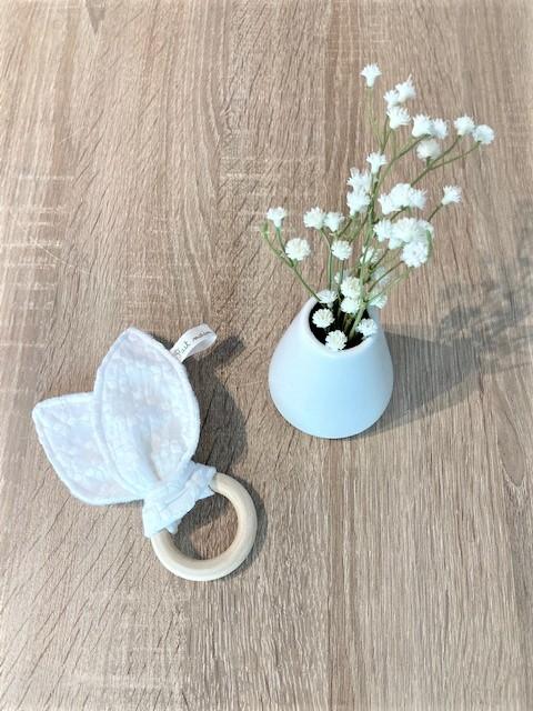 hochet-bebe-blanc